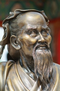 wise man statue